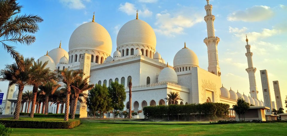 Sheikh_Zayed_Mosque.jpg
