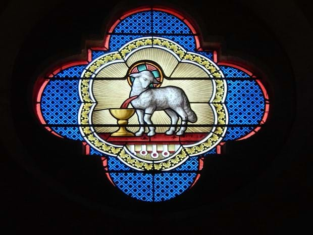 stained-glass-1626287_1920.jpg
