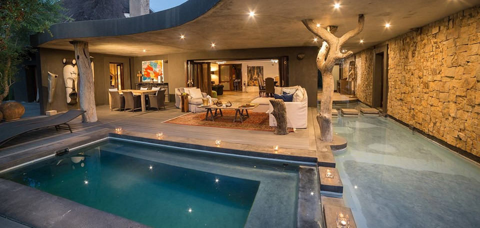 south_africa_chitwa_chitwa_outdoor_pool_sabi_sands_game_reserve.jpg