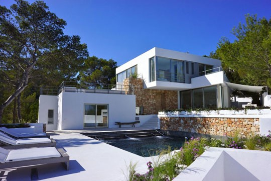 Looking for an Ibizan villa this Summer?